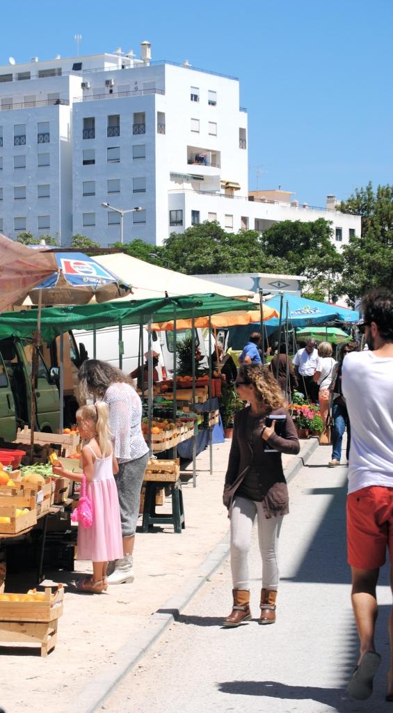 Adrián en el Mercado