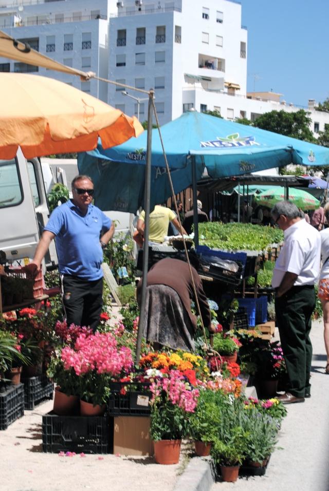 Puesto de Flores, mercado